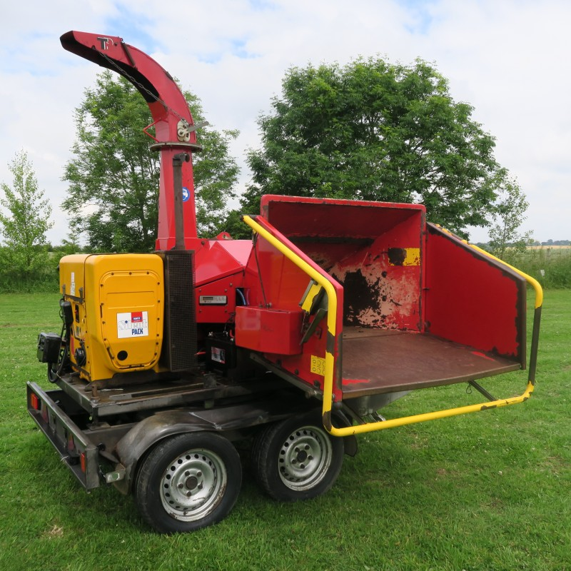 TP 200`Trailed Wood Chipper