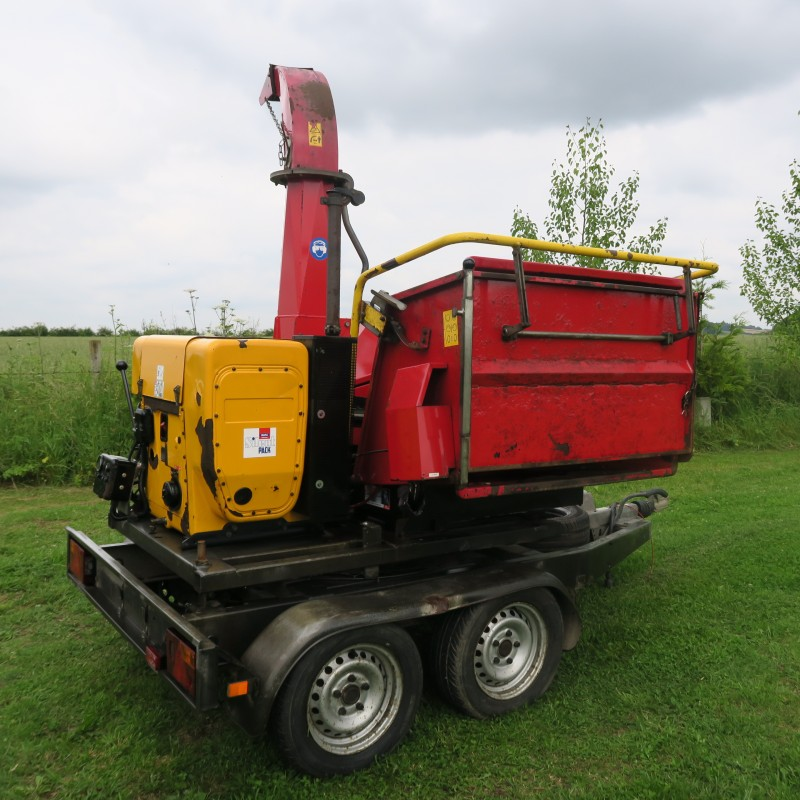 TP 200 Trailed Wood Chipper